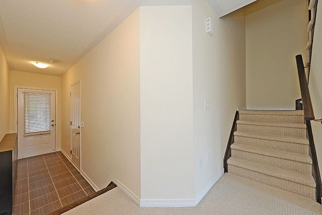Condo Townhouse at 6625 Falconer Dr, Unit 8, Mississauga, Ontario. Image 15