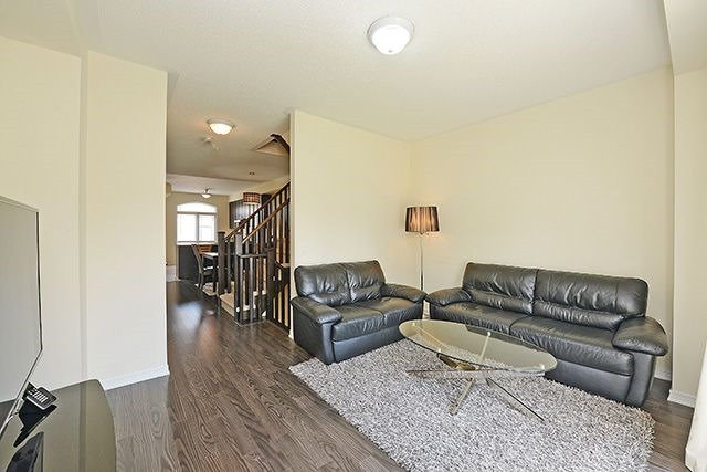 Condo Townhouse at 6625 Falconer Dr, Unit 8, Mississauga, Ontario. Image 19