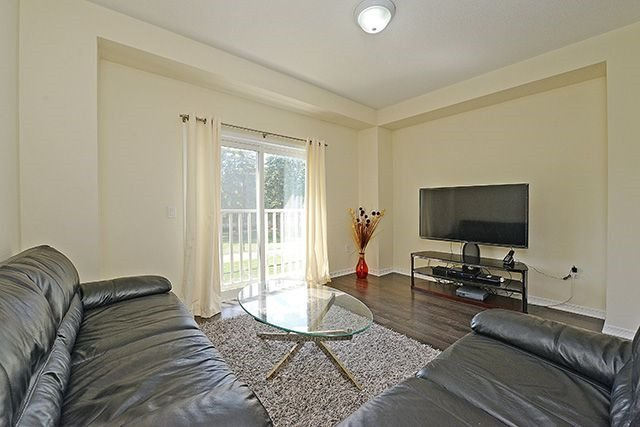 Condo Townhouse at 6625 Falconer Dr, Unit 8, Mississauga, Ontario. Image 20