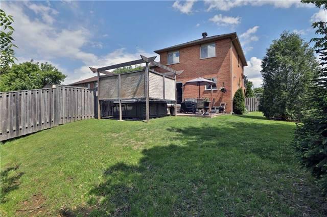 Townhouse at 421 Ravineview Way, Oakville, Ontario. Image 9