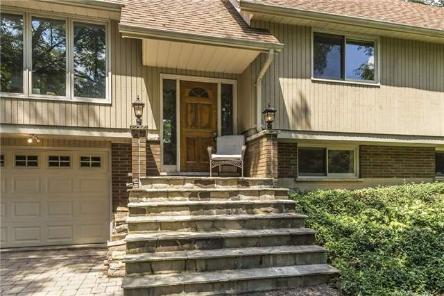 Detached at 2455 Conservation Rd, Milton, Ontario. Image 15