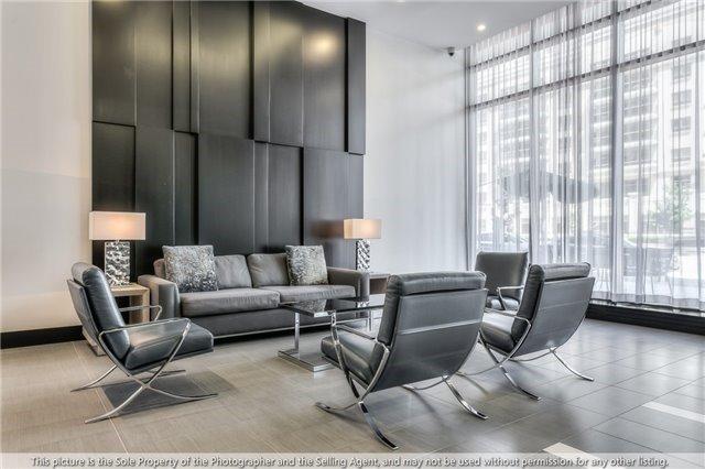 Condo Apartment at 4070 Confederation Pkwy, Unit 3703, Mississauga, Ontario. Image 8