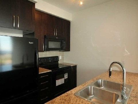 Condo Apartment at 4070 Confederation Pkwy, Unit 3703, Mississauga, Ontario. Image 11