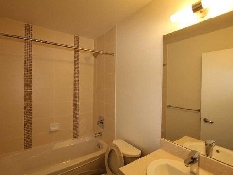 Condo Apartment at 4070 Confederation Pkwy, Unit 3703, Mississauga, Ontario. Image 4