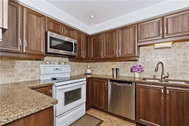 Condo Townhouse at 3050 Orleans Rd, Unit 116, Mississauga, Ontario. Image 17