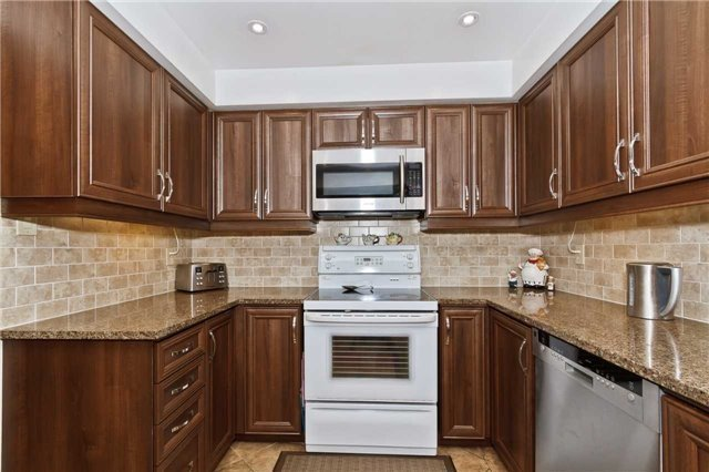 Condo Townhouse at 3050 Orleans Rd, Unit 116, Mississauga, Ontario. Image 18
