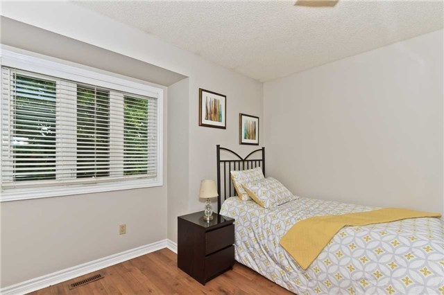 Condo Townhouse at 3050 Orleans Rd, Unit 116, Mississauga, Ontario. Image 19