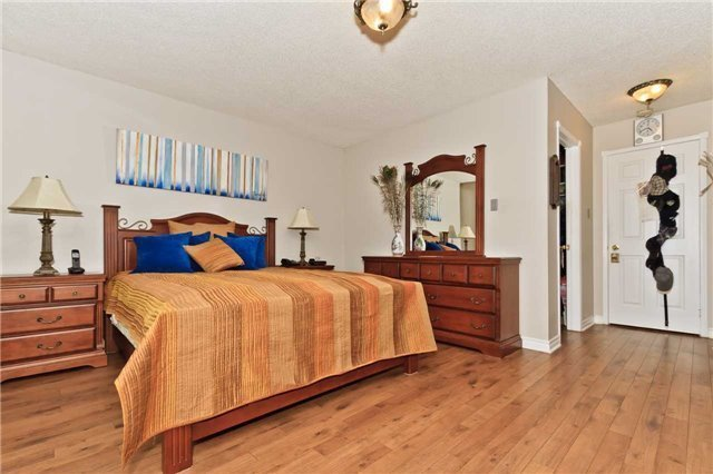 Condo Townhouse at 3050 Orleans Rd, Unit 116, Mississauga, Ontario. Image 3