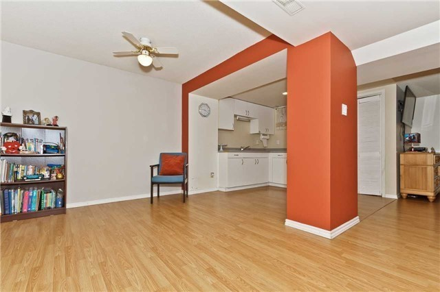 Condo Townhouse at 3050 Orleans Rd, Unit 116, Mississauga, Ontario. Image 6