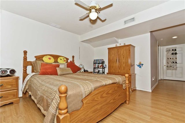 Condo Townhouse at 3050 Orleans Rd, Unit 116, Mississauga, Ontario. Image 7