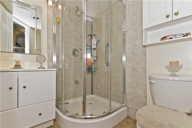 Condo Townhouse at 3050 Orleans Rd, Unit 116, Mississauga, Ontario. Image 8
