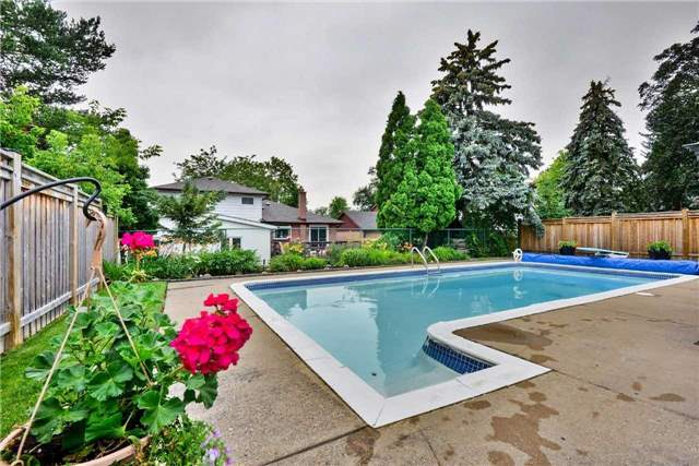 Detached at 9 Greystone Cres, Brampton, Ontario. Image 11