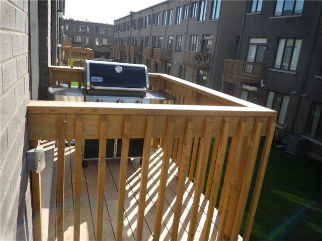 Townhouse at 181 Squire Cres, Oakville, Ontario. Image 11