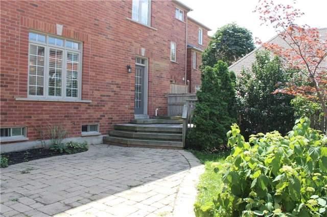 Townhouse at 201 Glenashton Dr, Oakville, Ontario. Image 11