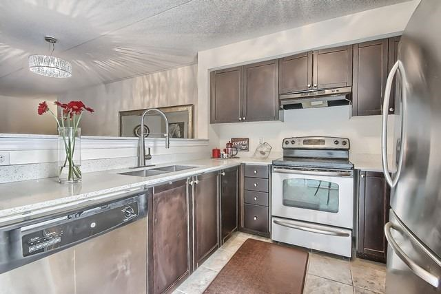Condo Apartment at 1370 Main St E, Unit 211, Milton, Ontario. Image 8