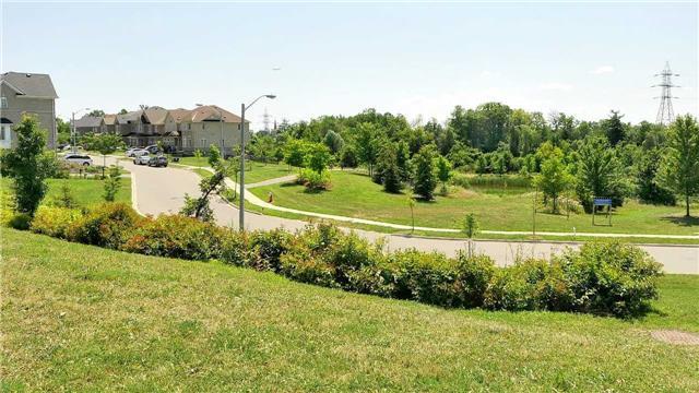 Detached at 4 Fallharvest Ave, Brampton, Ontario. Image 11