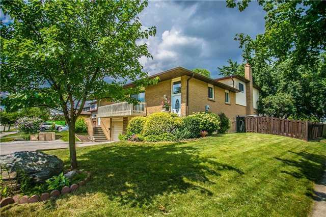 Semi-detached at 6266 Atherly Cres, Mississauga, Ontario. Image 1