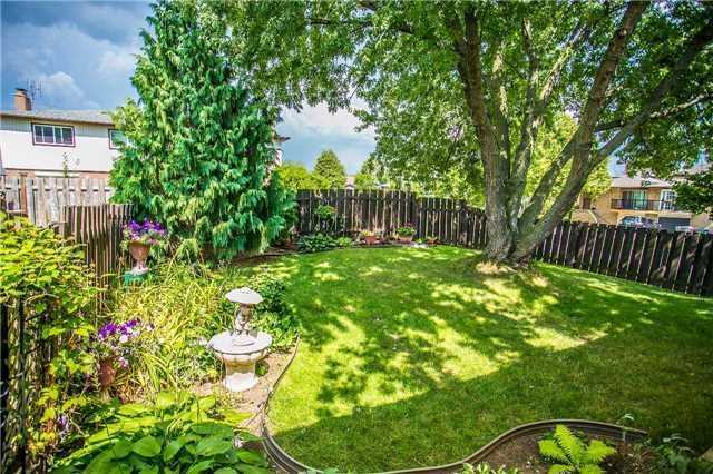 Semi-detached at 6266 Atherly Cres, Mississauga, Ontario. Image 13