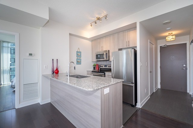 Condo Apartment at 4099 Brickstone Mews, Unit 3101, Mississauga, Ontario. Image 17