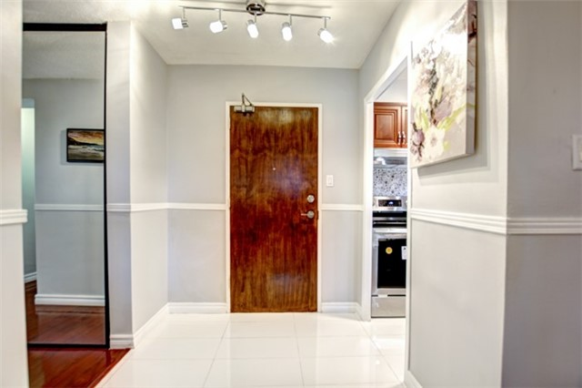 Condo Apartment at 714 The West Mall Rd, Unit 601, Toronto, Ontario. Image 17