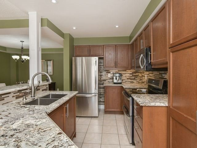 Detached at 339 Ellwood W Dr, Caledon, Ontario. Image 2