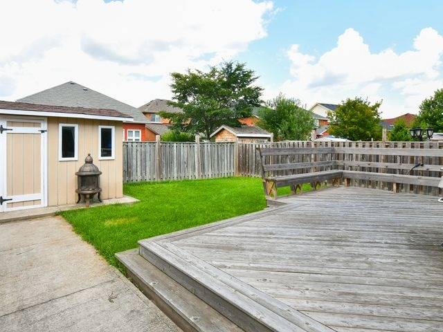 Detached at 339 Ellwood W Dr, Caledon, Ontario. Image 13