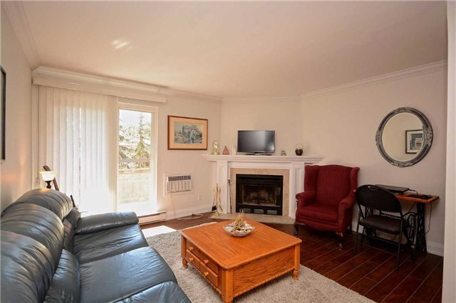 Condo Apartment at 1450 Glen Abbey Gate, Oakville, Ontario. Image 1