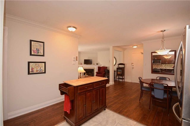 Condo Apartment at 1450 Glen Abbey Gate, Oakville, Ontario. Image 19