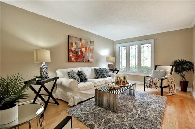 Detached at 2960 Harvey Cres, Mississauga, Ontario. Image 15