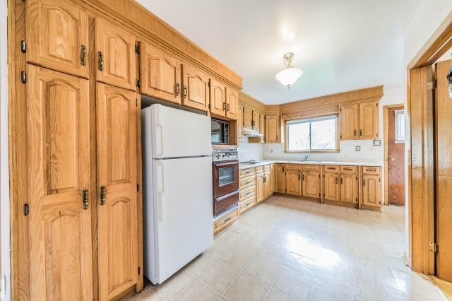 Detached at 35 Norgrove Cres, Toronto, Ontario. Image 3