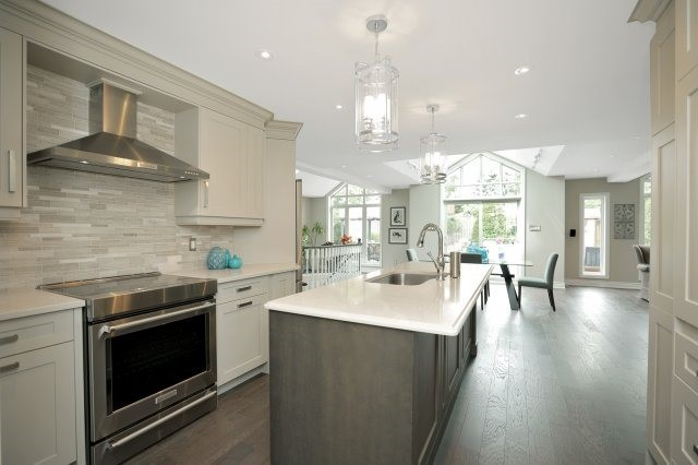 Detached at 1379 Chedboro Cres, Oakville, Ontario. Image 2