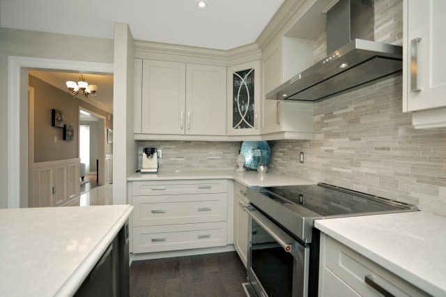 Detached at 1379 Chedboro Cres, Oakville, Ontario. Image 3
