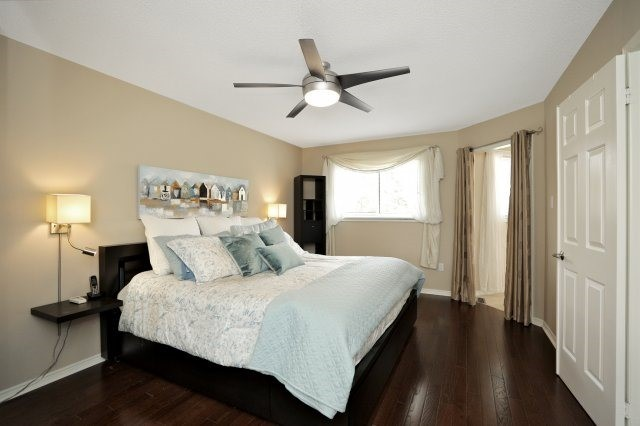 Detached at 1379 Chedboro Cres, Oakville, Ontario. Image 4