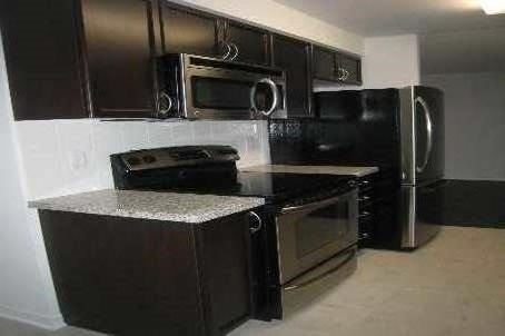 Condo Apartment at 4900 Glen Erin Dr, Unit 1209, Mississauga, Ontario. Image 2