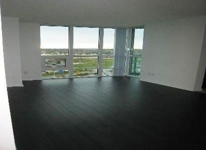 Condo Apartment at 4900 Glen Erin Dr, Unit 1209, Mississauga, Ontario. Image 3