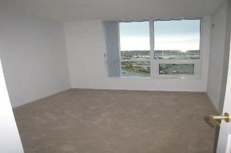Condo Apartment at 4900 Glen Erin Dr, Unit 1209, Mississauga, Ontario. Image 5