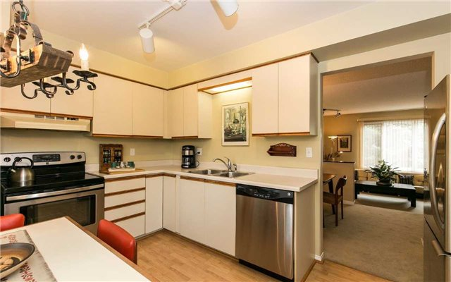 Townhouse at 1570 Litchfield Rd, Oakville, Ontario. Image 12