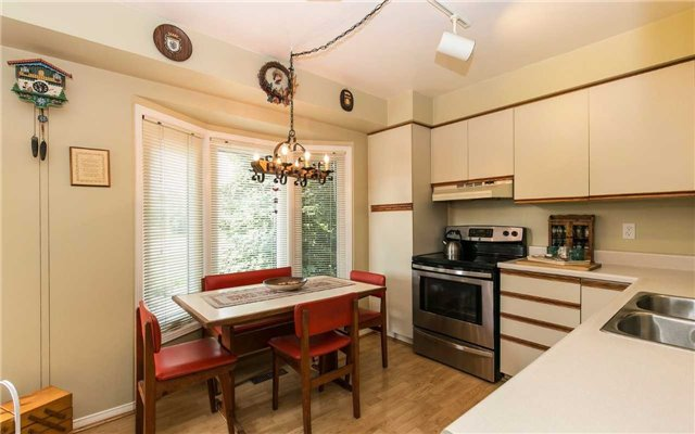 Townhouse at 1570 Litchfield Rd, Oakville, Ontario. Image 14
