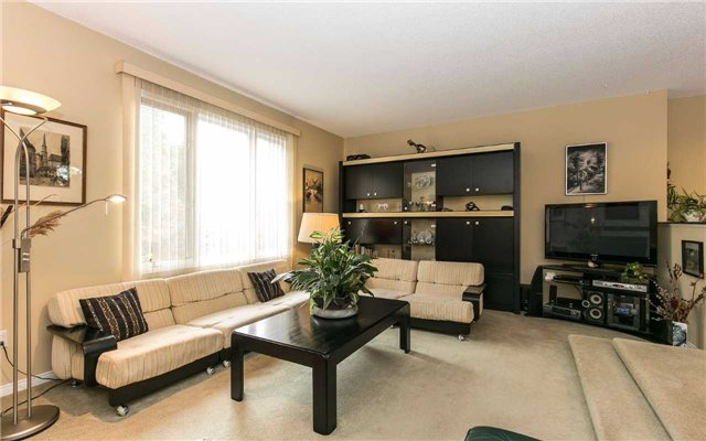 Townhouse at 1570 Litchfield Rd, Oakville, Ontario. Image 16