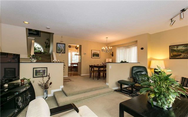 Townhouse at 1570 Litchfield Rd, Oakville, Ontario. Image 17
