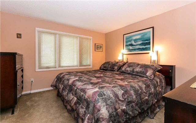 Townhouse at 1570 Litchfield Rd, Oakville, Ontario. Image 2