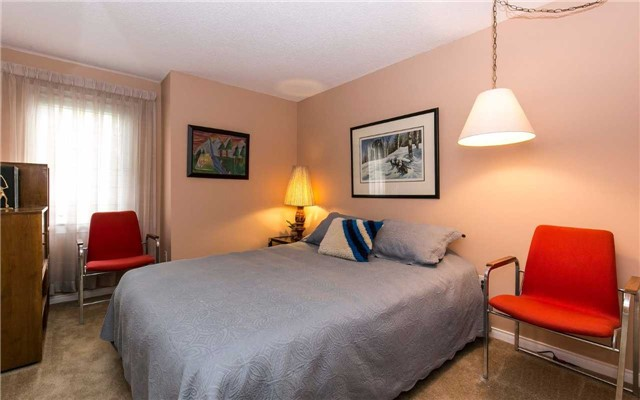 Townhouse at 1570 Litchfield Rd, Oakville, Ontario. Image 5