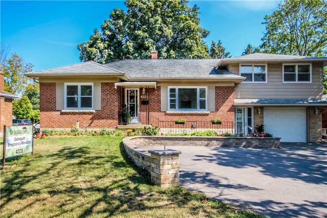 Detached at 4328 New St, Burlington, Ontario. Image 1