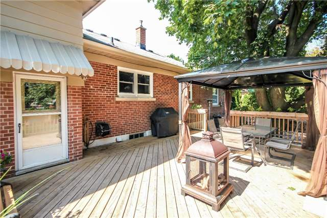 Detached at 4328 New St, Burlington, Ontario. Image 7
