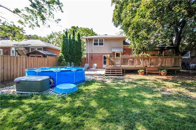 Detached at 4328 New St, Burlington, Ontario. Image 10