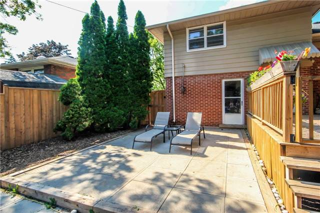 Detached at 4328 New St, Burlington, Ontario. Image 13