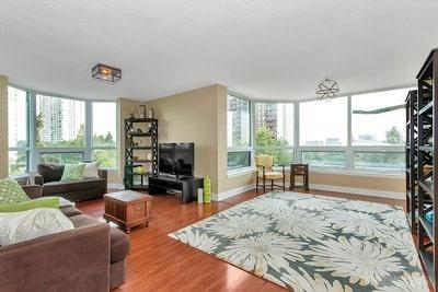 Condo Apartment at 8 Lisa St, Brampton, Ontario. Image 1