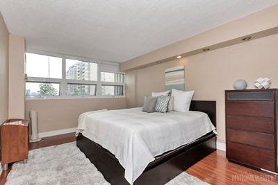 Condo Apartment at 8 Lisa St, Brampton, Ontario. Image 5
