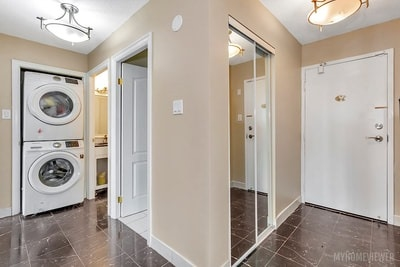 Condo Apartment at 8 Lisa St, Brampton, Ontario. Image 9