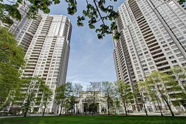 Condo Apartment at 35 Kingsbridge Garden Circ, Unit 2704, Mississauga, Ontario. Image 12